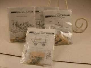 VALLEY MODELS FORKLIFT TRACK BUMPER & BAGGAGE WAGON WOODEN/METAL KITS