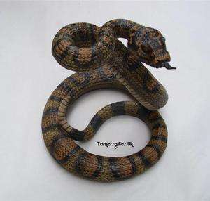 Resin Wild Life Reptile Figures 9 Rattle Snake Bnew