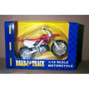 Honda CR Dirt Bike Red, White and Black 1/18 Scale: Toys