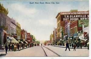 MASON CITY IOWA DOWNTOWN STREET SCENE VINTAGE POSTCARD |