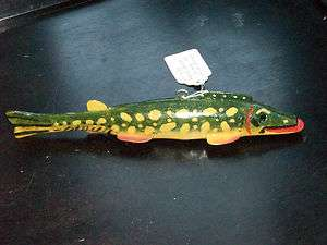 HAND CARVED WOOD PIKE FISH SPEAR FISHING LURE WEIGHTED