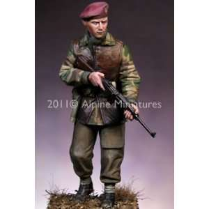 WWII British SAS Commando (Unpainted Kit): Toys & Games