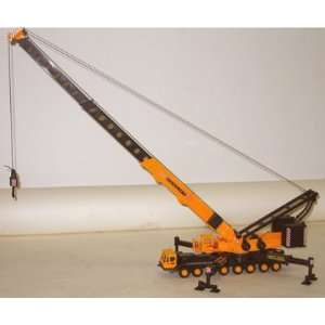 MOBILE TELESCOPIC CRANE MODEL   2 FOOT WORKING BOOM Toys